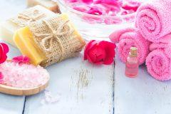 蒸しタオルで毛穴を開く!黒ずみ・汚れ対策に効果的な簡単美容法♡