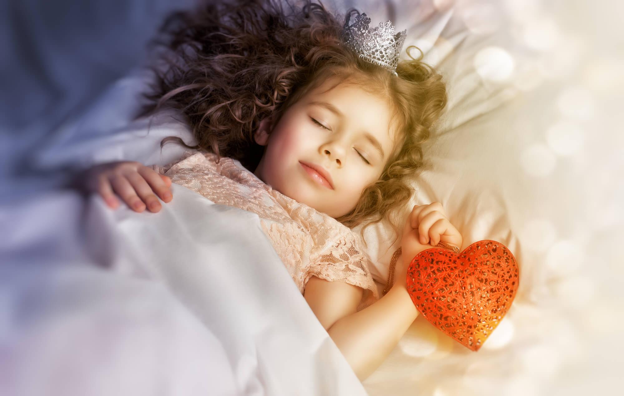 ぐっすり眠る女の子