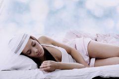バストアップにはゴールデンタイムがあった!質のいい睡眠が大事