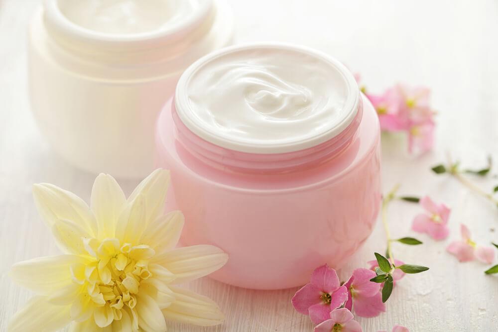 化粧水後は乳液・クリームを忘れずに!