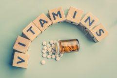 ニキビにおすすめのサプリメントとは?マルチビタミンの成分と働き
