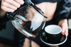 コーヒーを飲んだあとの口臭が気になる…!その原因と対策法