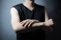 指毛が濃い人の手入れの方法は?抜く・剃る・脱毛のどれがいいの?