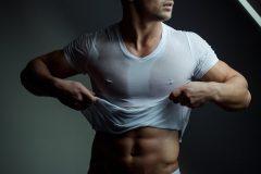 男の腹毛(ギャランドゥ)の処理は永久脱毛がベスト?他の方法はある?