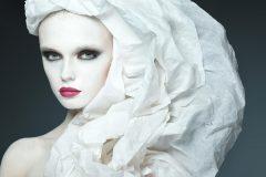 ニキビやメイクノリが悪い原因は顔のムダ毛?顔脱毛で産毛のない美肌へ