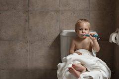 食後すぐの歯磨きはNG?歯磨きをするベストなタイミングと1日の回数