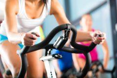 急に抜け毛が増えたのは「運動不足」が原因?!適度な運動で抜け毛予防