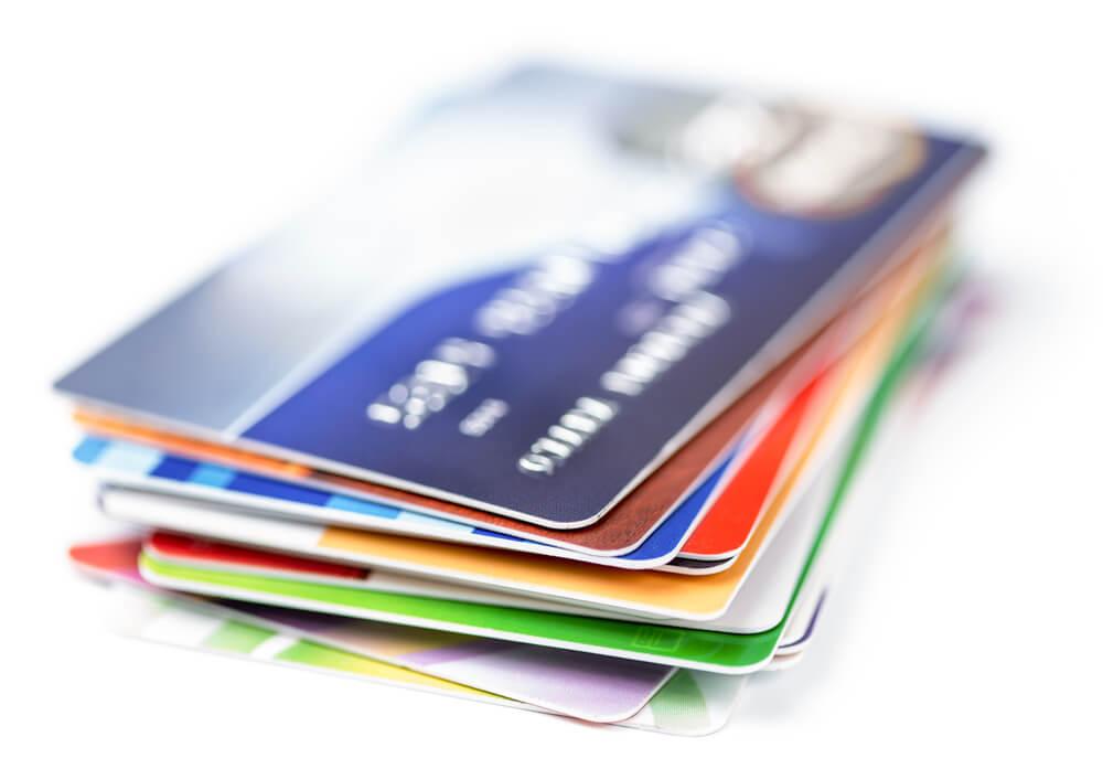 デビットカードとクレジットカード