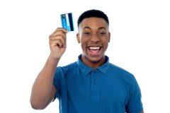起業したての個人事業主にはデビットカードがオススメ!