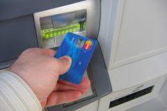 急増するクレジットカードのスキミング被害に合わないための対策方法