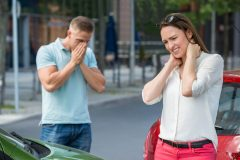 交通事故での慰謝料に影響する3つの基準とは?弁護士に相談すべき?