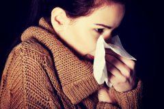 「嘔吐」「悪寒」「咳」あなたは大丈夫?更年期障害の症状は風邪に似ている?