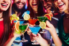アルコールは便秘になる?予防される?便秘の時にお酒は飲んでもいいの?