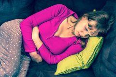 妊娠初期の異常妊娠の原因とは?腹痛や出血はみられる?