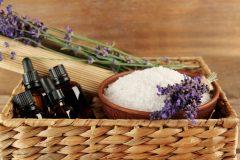 アロマの香りは癒しだけじゃない!効果を知って生理を楽にしよう!