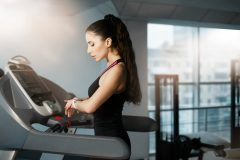 更年期には運動不足の解消から!ランニングやヨガ「有酸素運動」がおすすめ♪
