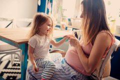 【経産婦の妊娠・出産】胎動、おしるし、陣痛、分娩に違いはある?