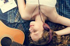 リラックスしたい時は何を聴けばいいの?寝る前に聴きたいクラシック音楽