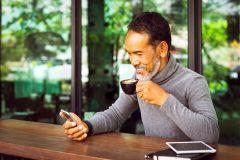 勤続年数が1年未満と短くても審査に通るカードローンはある?