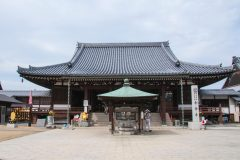 【四国地方】安産祈願で人気の神社・寺とは?祈祷料とお守りもご紹介!