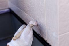 外壁塗装を業者に頼む場合とDIYする場合のメリット・デメリット
