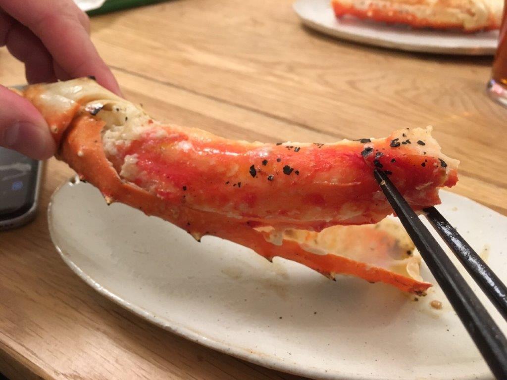 蟹バーベキューで焼きガニ
