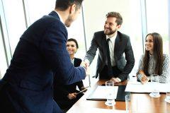 【ビジネス英会話】挨拶から自己紹介・名刺交換までビジネスシーンで使える英語まとめ