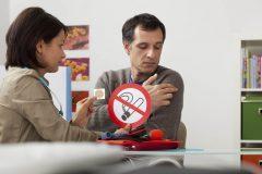 ニコチンパッチは体に貼るだけで禁煙できる!?使い方と効果を紹介!