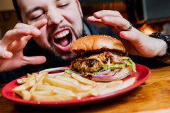 加齢臭はその食べ物のせい?!食事から見直して「クサイ!」を予防しよう