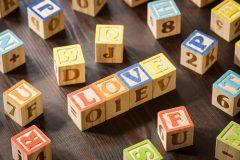 英単語を効率的に英会話でも使えるように覚えるには?