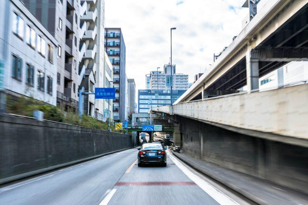 車買取で大事な目安の「走行距離」はクラスで査定金額が加減される?