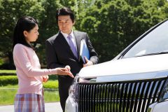 車を買取専門店で売るのとディーラーで下取りするのはどっちが高い?