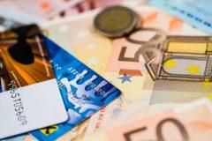 海外留学で役立つ海外専用プリペイドカード徹底比較!クレジットカードとの違いは?