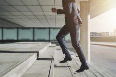 未経験から営業職へ転職することは可能?転職を成功させるポイントは?