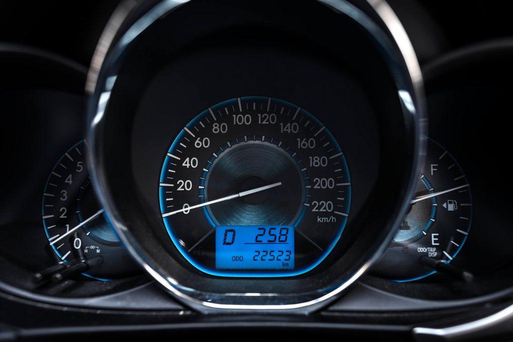 走行距離の少ない車は高額査定になりやすい?距離は重要な一つの目安