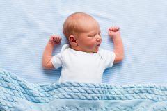 出産後に必要な赤ちゃんの健康保険の加入手続きはどうする?必要書類は?