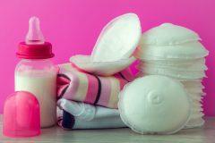 母乳パッドはいつから必要?おすすめの布タイプと使い捨てタイプを紹介!