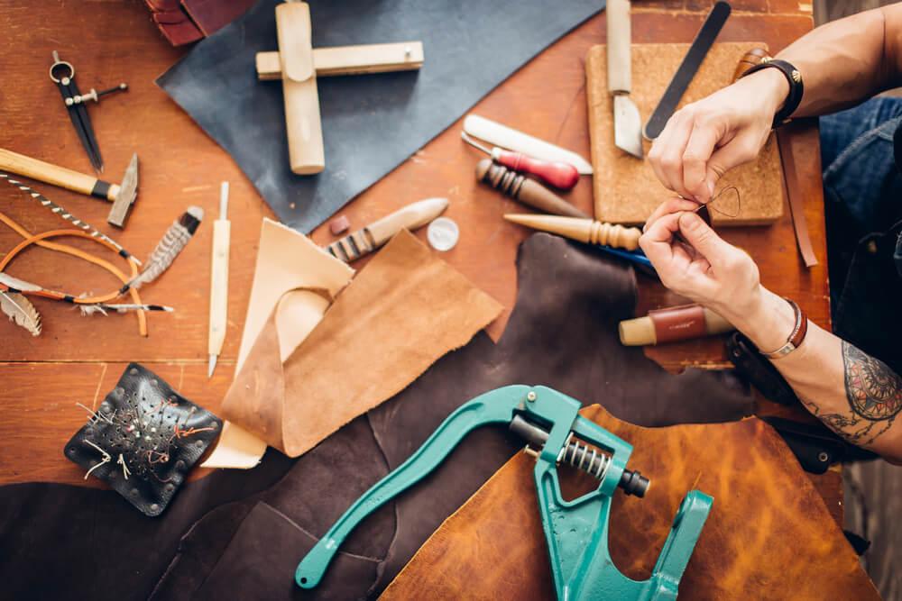 革製品の修理屋で直してもらうのはあり?