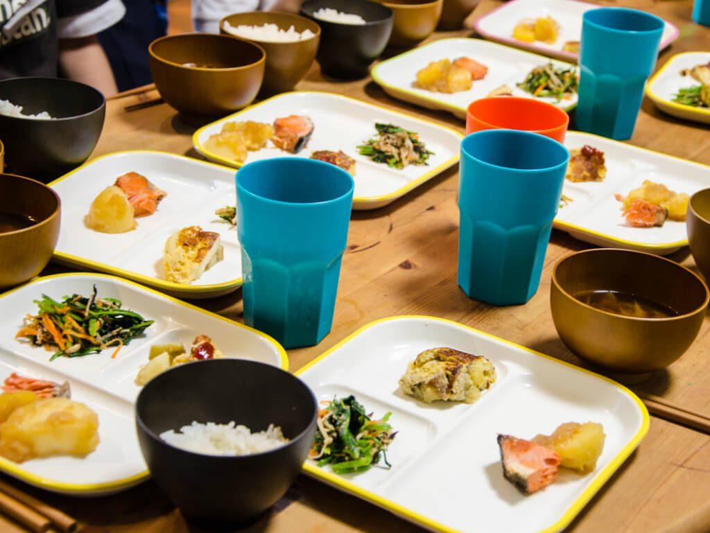 食育と知育から生きる力を育む。大阪・阿倍野のこども食堂「すきっぷ」が目指すもの