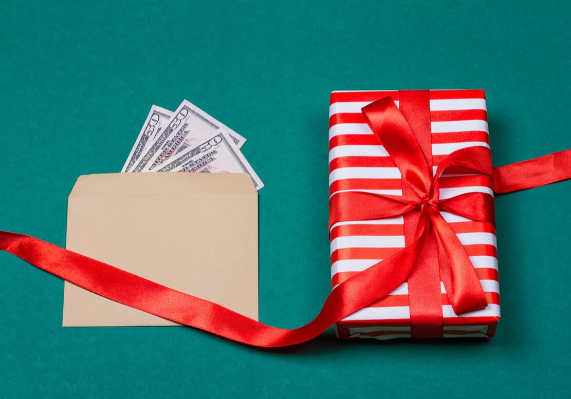 プレゼントの料金の相場は?