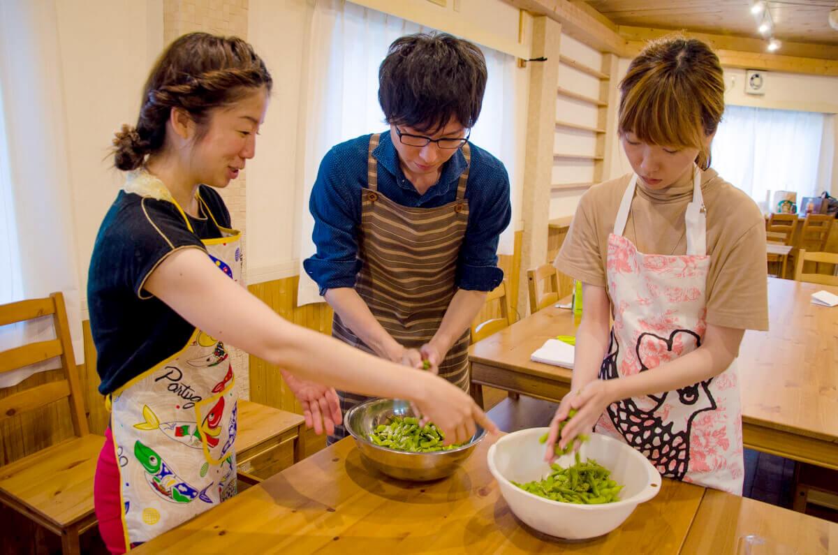 八尾えだまめと新玉ねぎのサラダの作り方