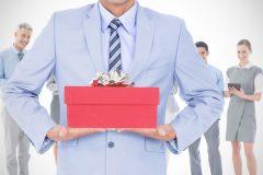 男性が喜ぶバレンタインプレゼントは?ちょいリッチな革小物がおすすめ