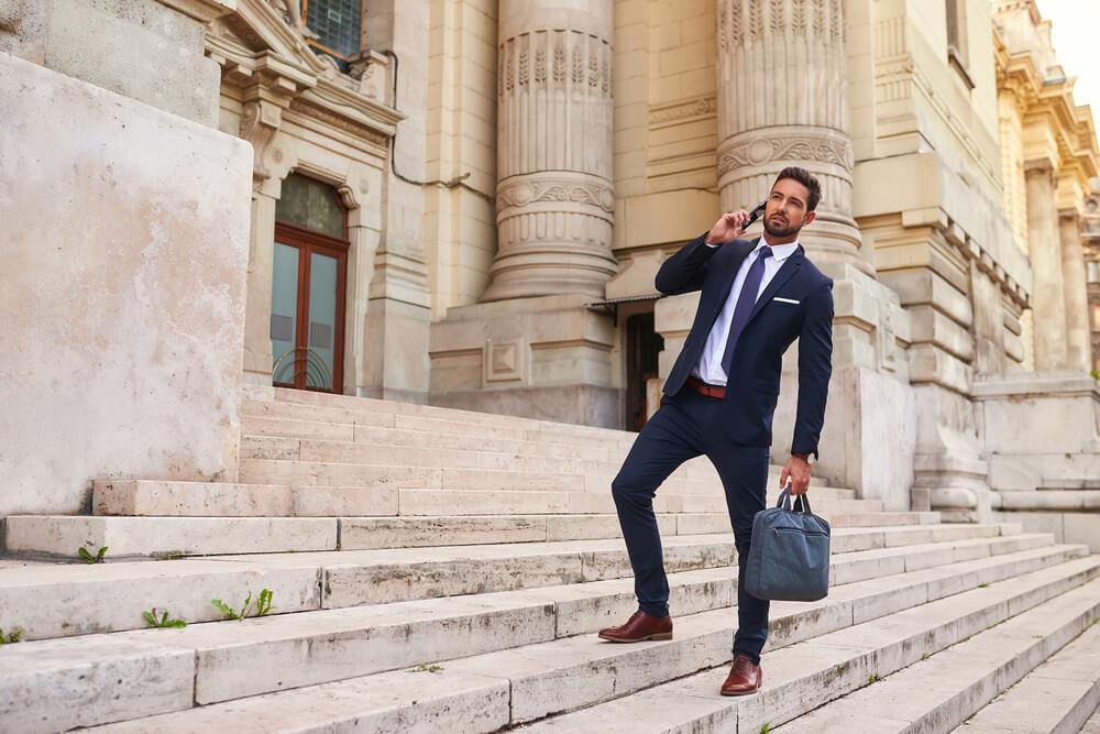 お洒落なメンズビジネスバッグが欲しい!人気の高級革鞄を紹介