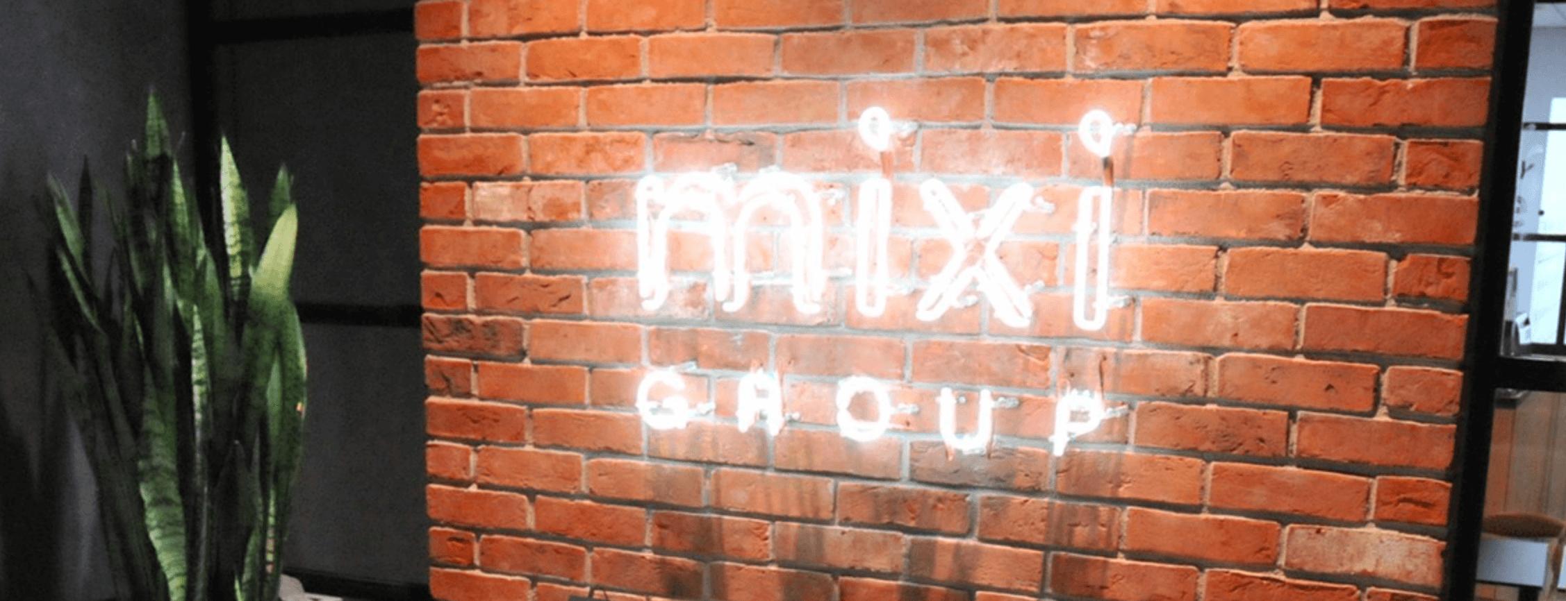 mixiグループ