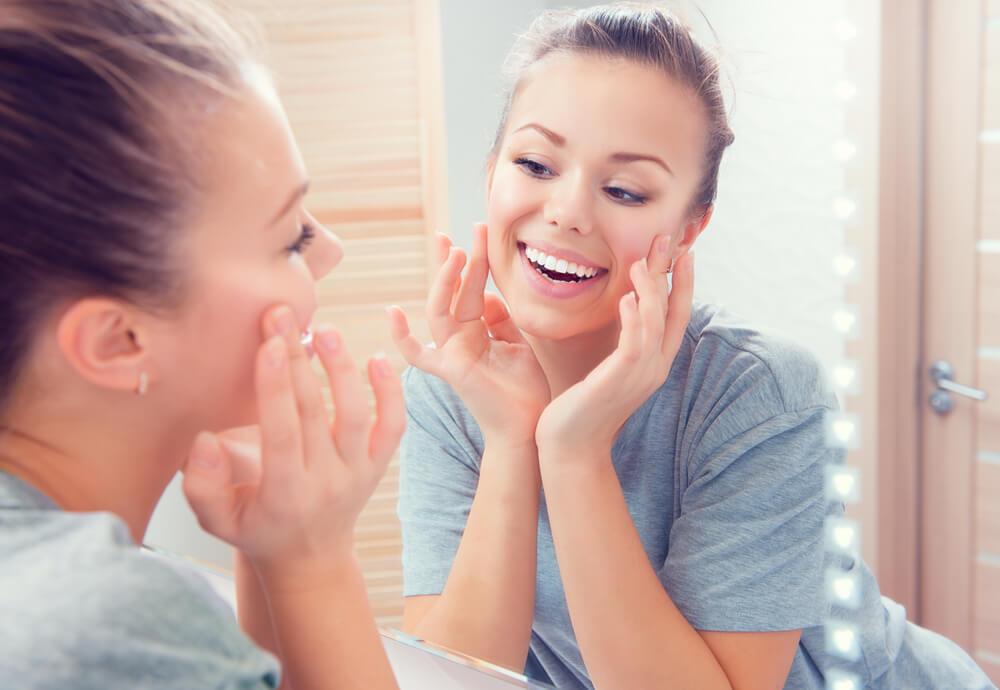 大人ニキビにおすすめの基礎化粧品ランキング!スキンケアブランドの選び方は?