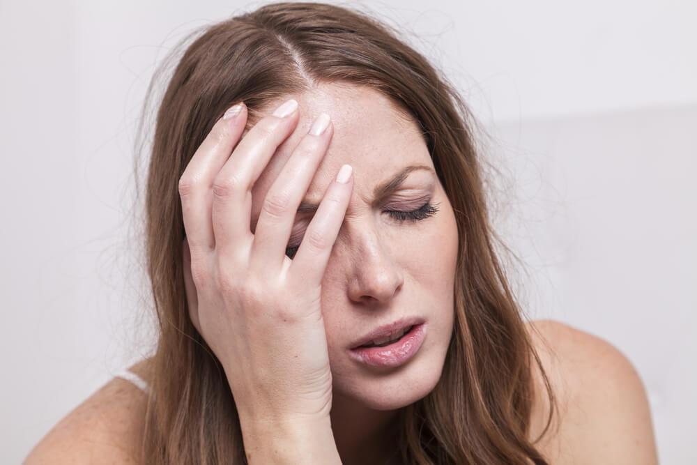 副作用で体調が悪いイメージ画像