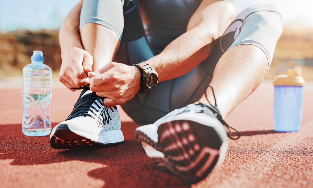 筋肉をつけたからとゆって糖質の過剰摂取はリバウンドの原因です。 食べるなとは言いませんが、過剰な摂取は控えてください。また過剰に取りすぎてしまった場合は、次の日から食事の量を控え、運動、筋トレなどで調整する事が大事です。