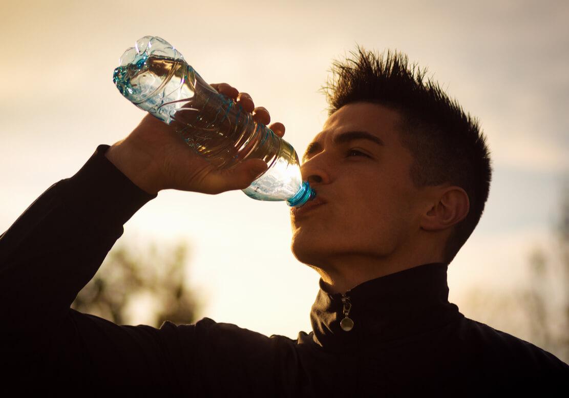 こまめな水分補給をする