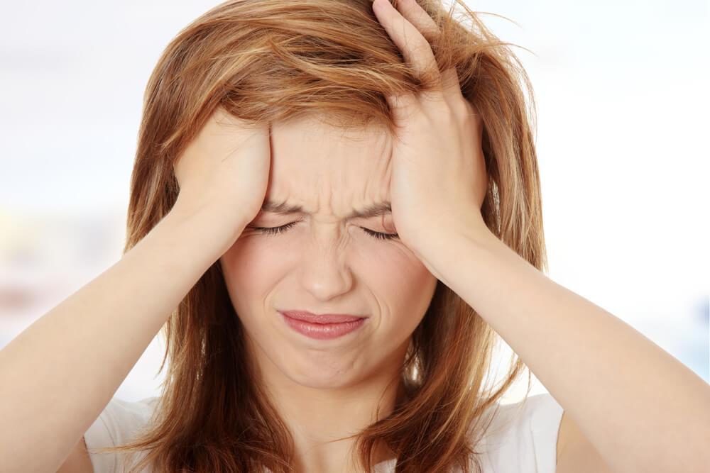偏頭痛はズキズキと脈打つ強い痛みが特徴