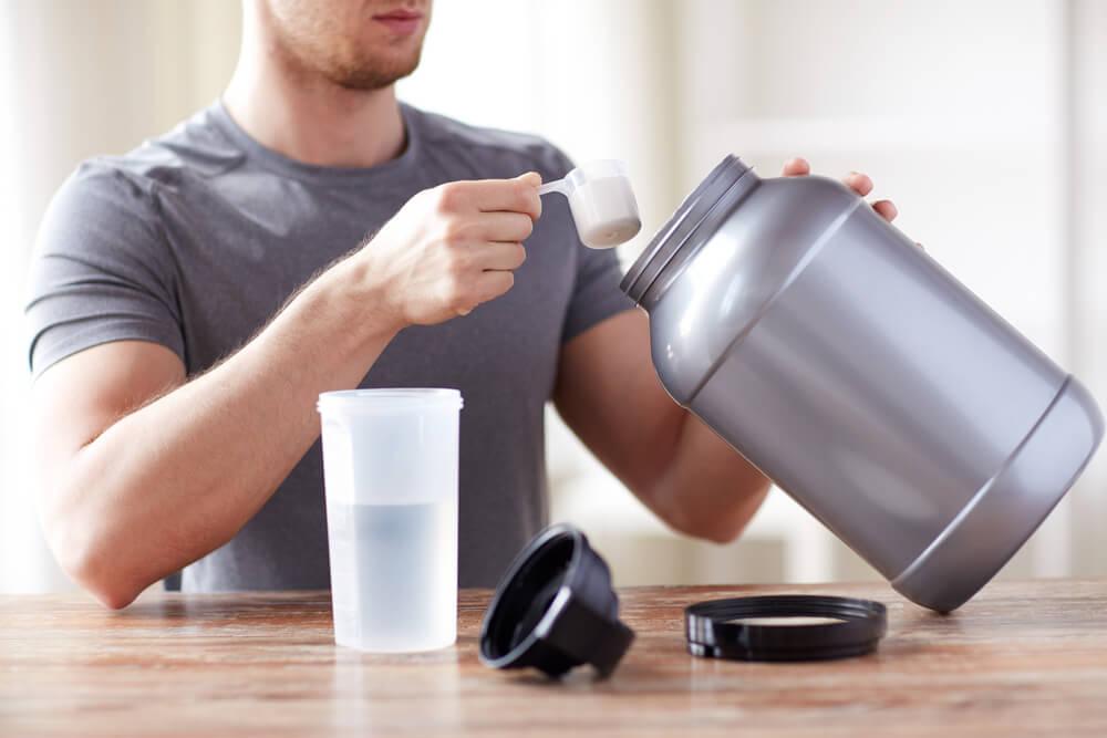 筋トレしなくてもプロテインは毎日飲むべき?